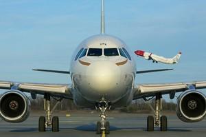 Airbus тимчасово зупинив виробництво літаків у США та ФРН