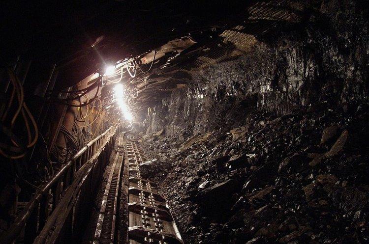 Кабмін увів заборонне мито в 65% на імпорт вугілля з Росії з 15 квітня