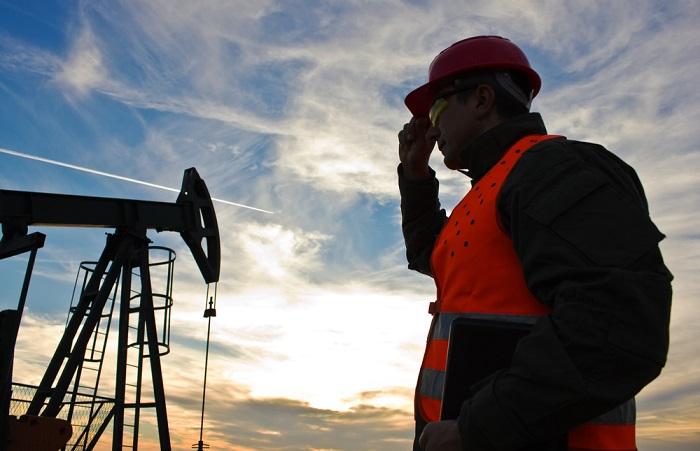 Цены на техасскую нефть WTI выросли после вчерашнего обвала, Brent снижается