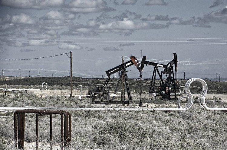 Нафта продовжує дорожчати