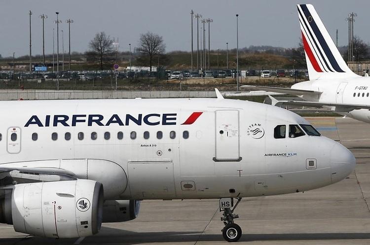 Франція і Нідерланди нададуть Air France 11 млрд євро підтримки, але за однієї умови
