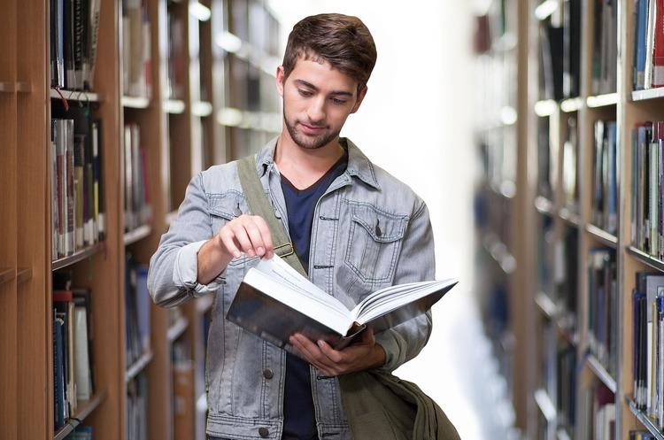 МОН: виші закінчуватимуть навчальний рік дистанційно
