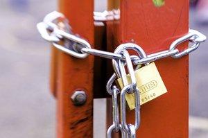 «Вход воспрещен»: как ритейлеры переживают карантин