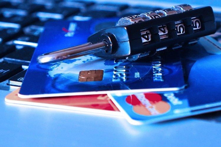«Карантинні» шахраї: як не потрапити в пастку через онлайн-платежі
