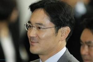 Спадкоємець Samsung вибачився за помилки і пообіцяв не передавати компанію дітям
