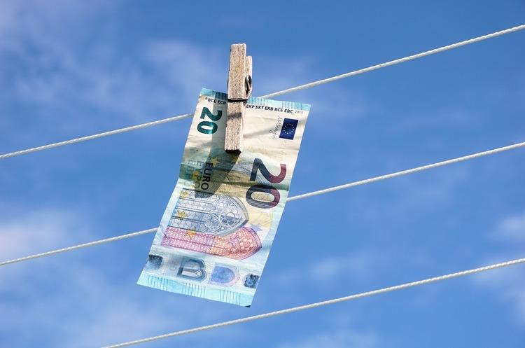 ЄС вирішив серйозно взятись за боротьбу з відмиванням грошей