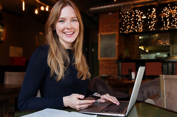 Розвиток особистості: 6 актуальних можливостей для жінок в бізнесі, науці та технологіях