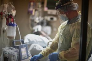 США вилучили російські апарати ШВЛ із своїх клінік після пожеж в лікарнях в РФ