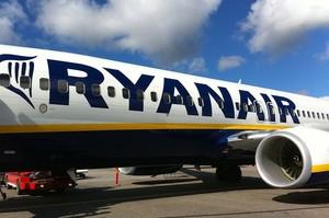 В туалет можна після дозволу, оплата тільки картою, щоденна дезінфекція – Ryanair оновив правила