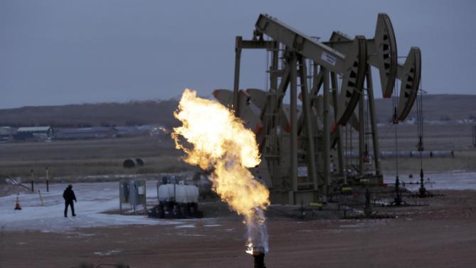 Цены на нефть продолжают расти благодаря восстановлению спроса в Китае
