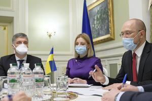 Україна пом'якшує карантин і відкриває кордони з ЄС і Молдовою