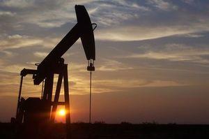 Ціни на нафту продовжують зростати