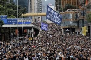 Китай попереджає США не втручатися в справи Гонконгу, Держдеп відреагував