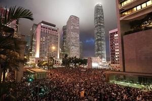 Юань обвалився до мінімуму за 12 років на тлі протестів у Гонконзі