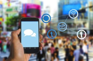 «Большая тройка» в цифрах: как мобильные операторы наращивают оборот и залазят в убытки