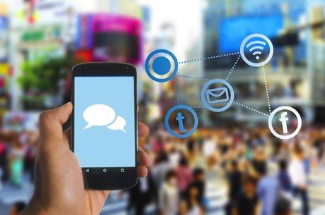 «Велика трійка» в цифрах: як мобільні оператори збільшують оборот і пірнають у збитки