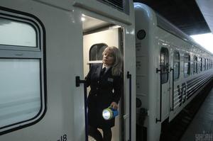 «Укрзализныця» открыла продажу билетов еще на 9 поездов дальнего следования