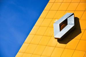 Renault  скоротить 14 600 працівників по усьому світу