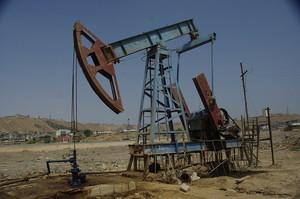 Нафта дешевіє на тлі слабкого попиту