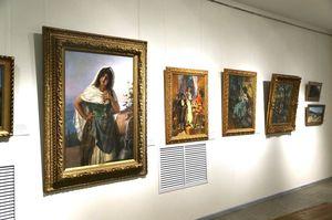 Печерський суд арештував картини в музеї Гончара із колекції Порошенка