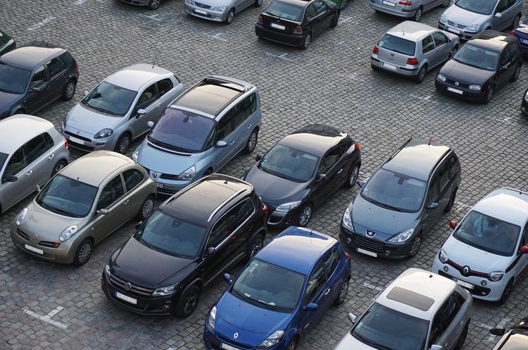 Травневий ринок легкових авто в Україні скоротився на 15%