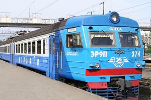 «Укрзалізниця» вже відновила рух 439 приміських поїздів