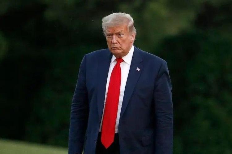 «Ви маєте домінувати, щоб не виглядати, як купа придурків»: Трамп змушує губернаторів придушувати протести