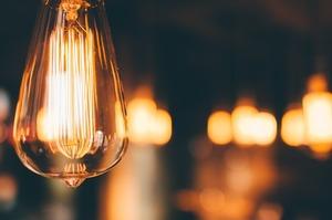 У Швеції шукають людину, яка готова просто вмикати світло вранці за $2300 на місяць