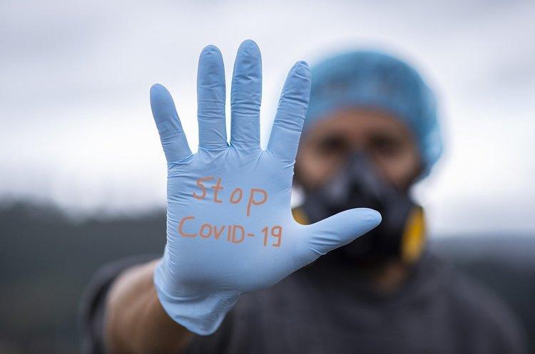За сутки в Украине диагностировали 553 новых случая COVID-19