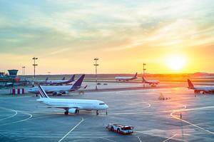 Кількість польотів над Україною у травні зросла на 36% до квітня-2020