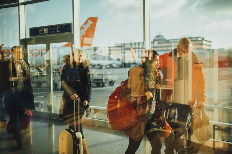 Украина открывает аэропорты для иностранцев