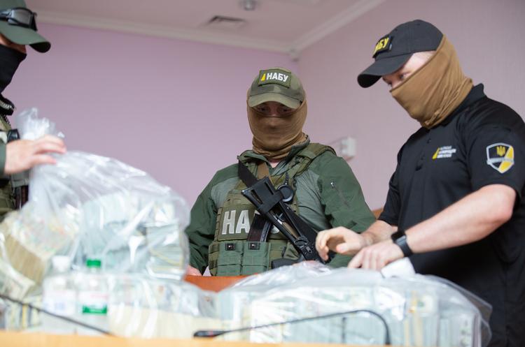 НАБУ і САП затримали поплічників Злочевського за спробу дати рекордний хабар в історії України