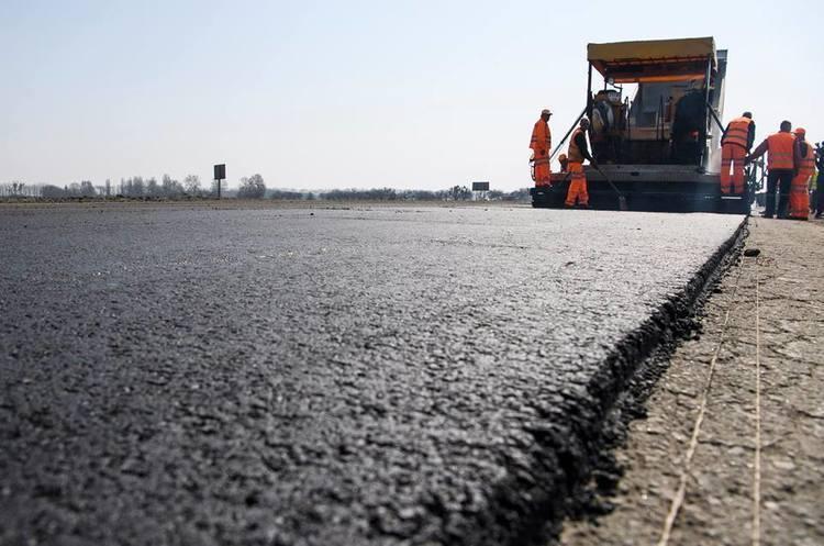 У рамках проєкту «Дороги та робота» працевлаштували 7729 дорожників