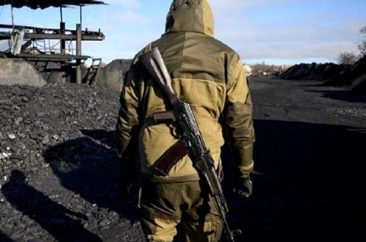«Чорне золото» масового ураження: хто й куди продає вугілля з ОРДЛО