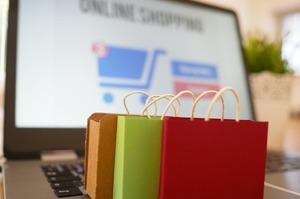 Тренди е-commerce: 17% покупців замовляють товари в транспорті, 43% - на роботі