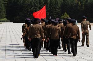 КНДР готується скинути на Південну Корею 12 млн пропагандистських листівок з повітряних куль