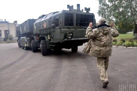 «Міцні господарники» та зв'язки з РФ: кому Зеленський хоче доручити реформу «оборонки»