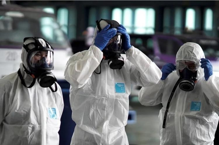 Експерти: друга хвиля коронавірусу ще не настала, нові зараження – це відголос першої