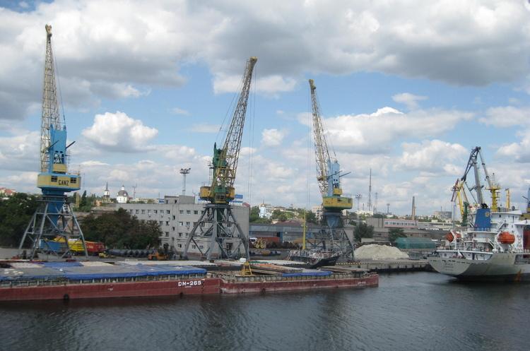 Мінінфраструктури та «Рисоіл-Херсон» підписали договір про концесію Херсонського МТП