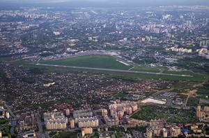 Киевский аэропорт «Жуляны» сократит половину персонала