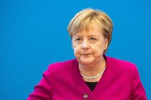 Меркель заявила, що «Північний потік 2» потрібно завершити попри санкції