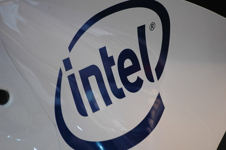 Intel інвестував понад $250 млн в індійську Jio Platforms