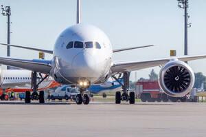 У червні авіатрафік у повітряному просторі України впав на 87,1%