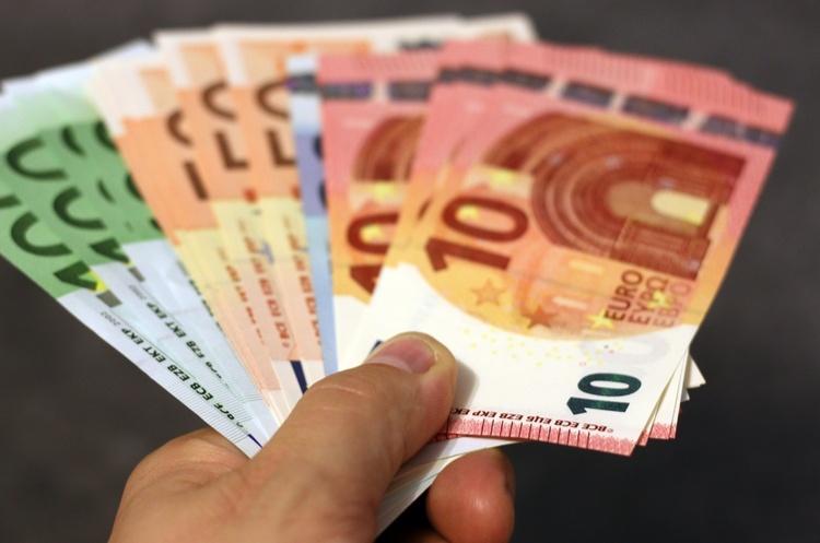ЄІБ може виділити Україні 340 млн євро на відновлення будівель і доріг