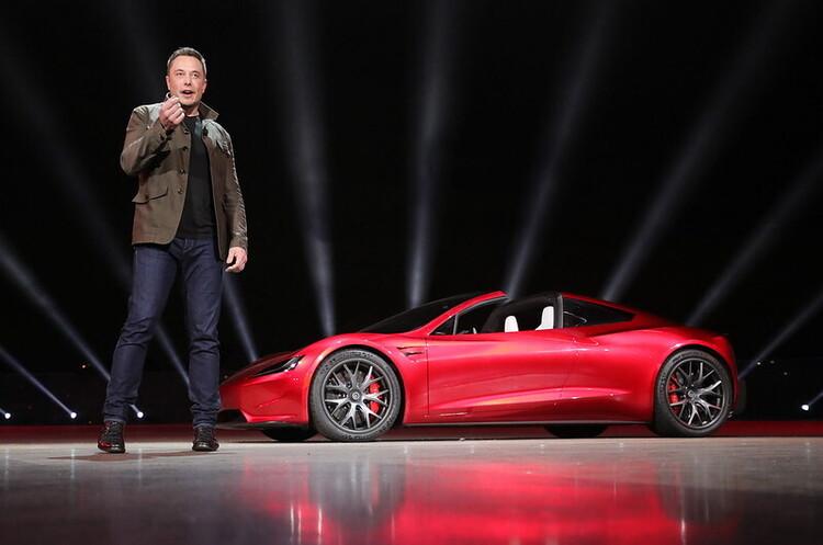 Tesla наблизилась до створення повністю автономного авто – Маск