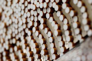 АМКУ намагається арештувати рахунки та майно тютюнових компаній — Укртютюн