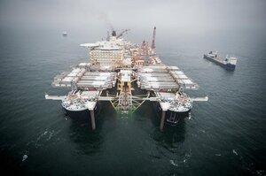 Баржа, здатна добудувати «Північний потік 2», увійшла в води Данії