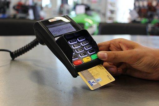 Частка безготівкових розрахунків за перший квартал склала понад 50%