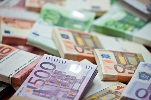 Курс гривні до долара і євро на вихідні