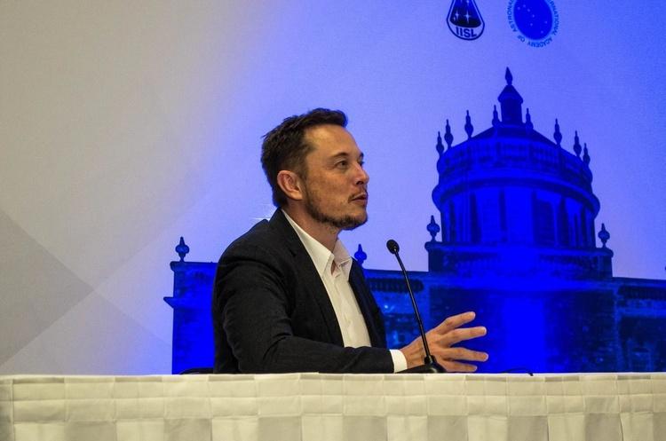 Ілон Маск став багатшим за Воррена Баффетта